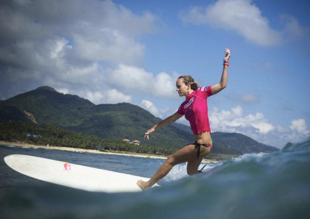 justine dupont longboard waterwoman